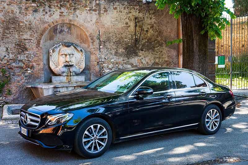 Mercedes serie E macchina NCC noleggio con conducente